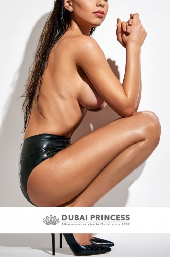 Luxury escort Dubai Daniele, elite GFE models date