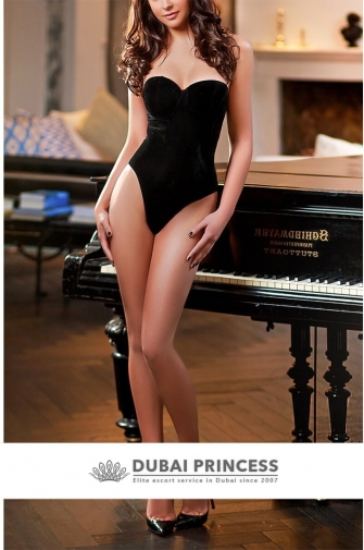 Escort models Dubai Donna, luxury busty Brazilian companion