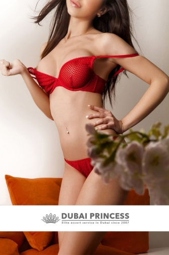 Exclusive Dubai escort Francesca, luxury Latin models companion