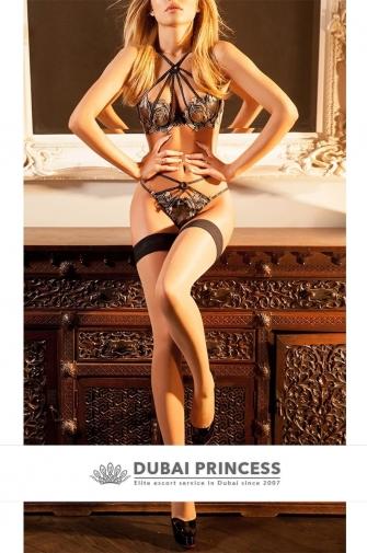 Dubai luxury escort Kimberly, VIP blonde GFE date