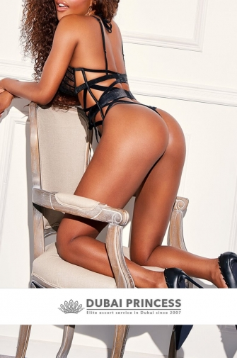 Dubai elite escort Naomi, luxury ebony companion