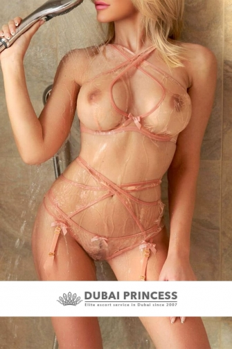 Models escorts Dubai Serena, blonde busty GFE companion